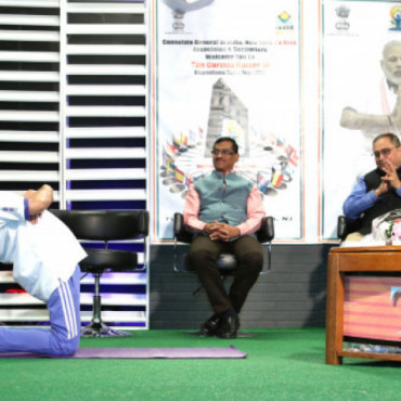 Indian Consulate, NY and TV Asia host curtain raiser for International Day of Yoga